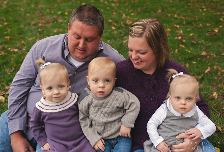 Gray and purple fall family photo color scheme